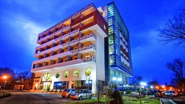 04-hotel del mar