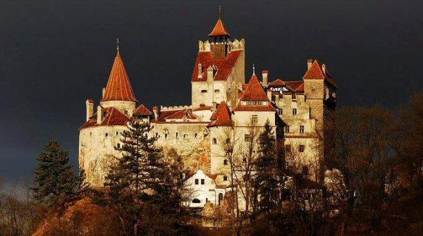 Dracula's Castle / BranCastle.ro