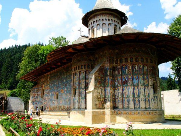 Voronet monastery / Flickr
