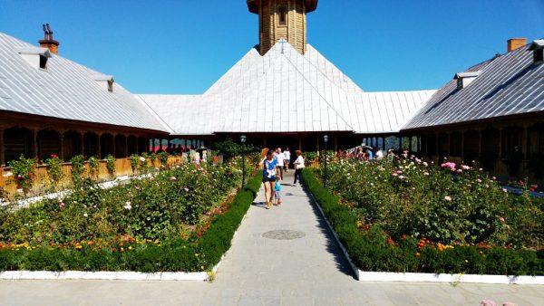 st-ana-monastery-orsova-1