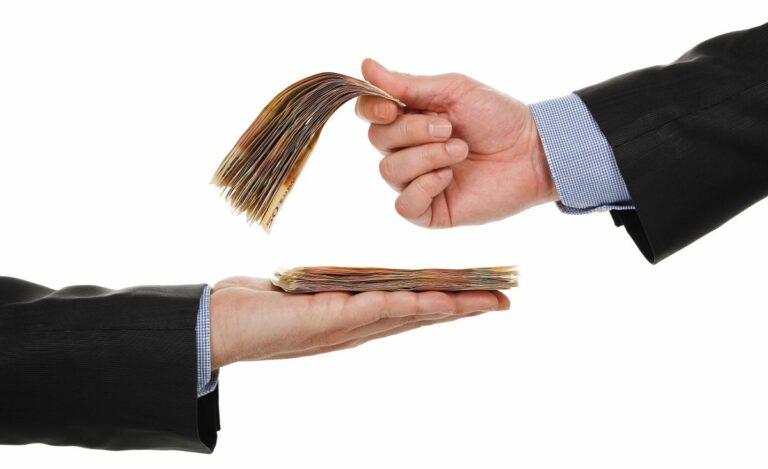 minimum and average salary in Romania