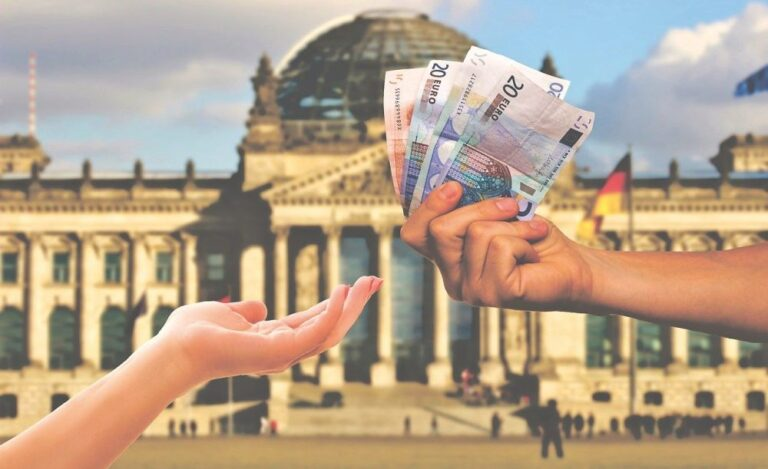 Paying with EUR or USD in Romania