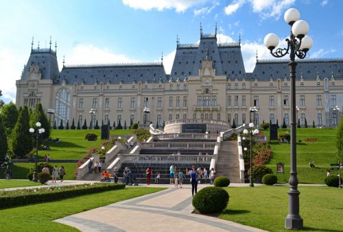 where to live in Iasi romania