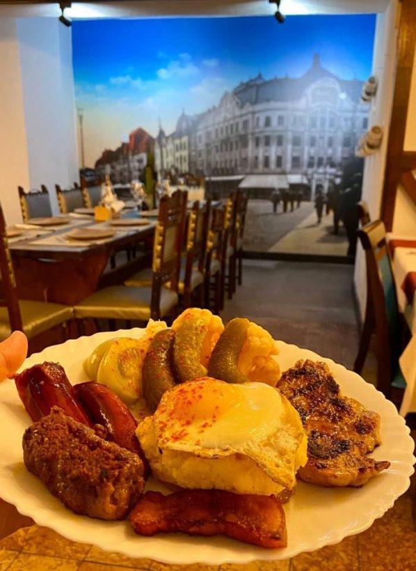 restaurant timisoreana food